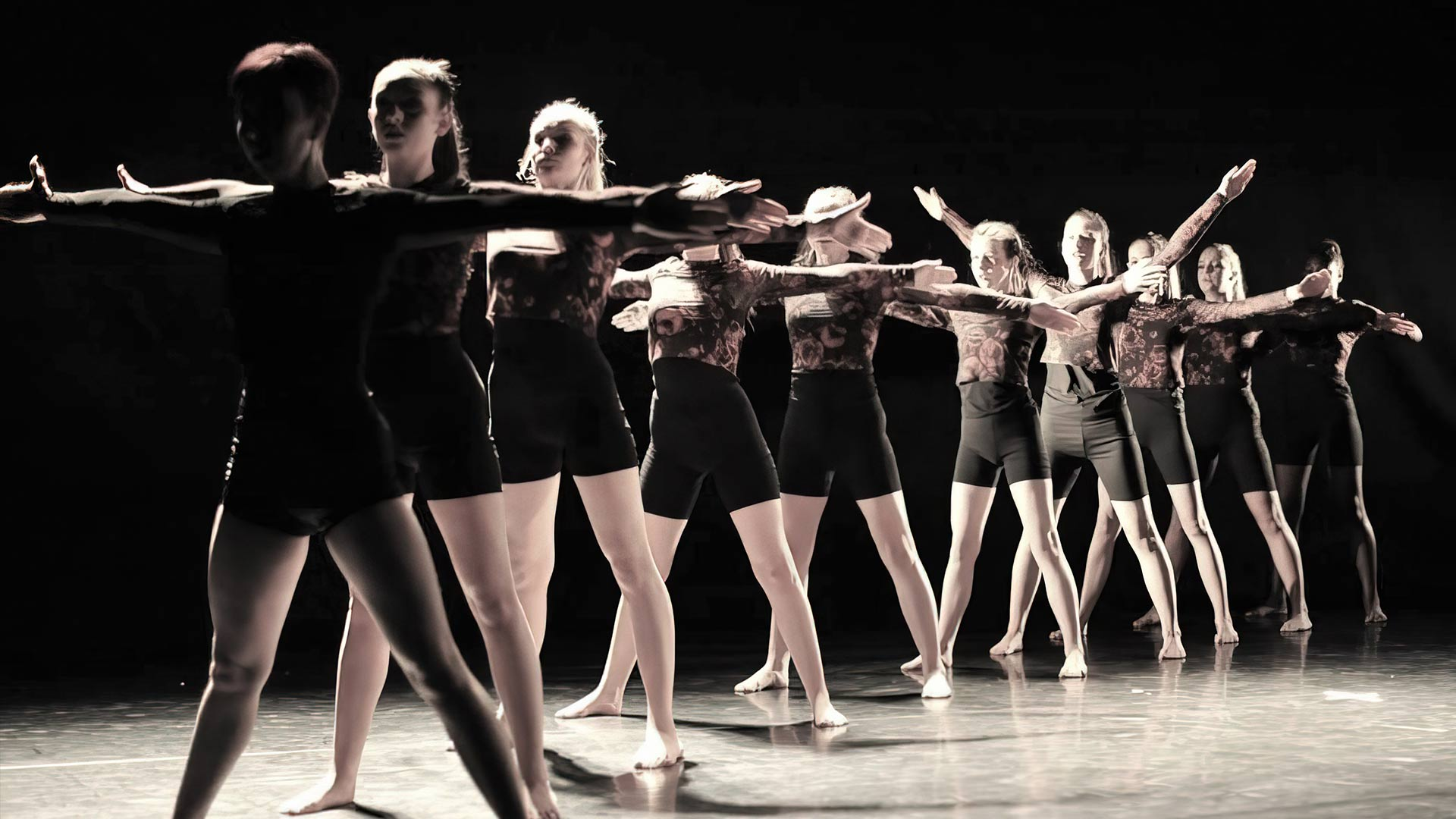 Youth dance training based in Stourbridge and Halesowen - we help dancers to explore their own creative side, and to develop and perfect their performance skills.